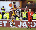 07/02/2009  Copyright Pic: James Stewart.File Name : sct_jspa13_motherwell_v_stmirren.CILLIAN SHERIDAN GETS ABOVE HUGH MURRAY.James Stewart Photo Agency 19 Carronlea Drive, Falkirk. FK2 8DN      Vat Reg No. 607 6932 25.Studio      : +44 (0)1324 611191 .Mobile      : +44 (0)7721 416997.E-mail  :  jim@jspa.co.uk.If you require further information then contact Jim Stewart on any of the numbers above.........