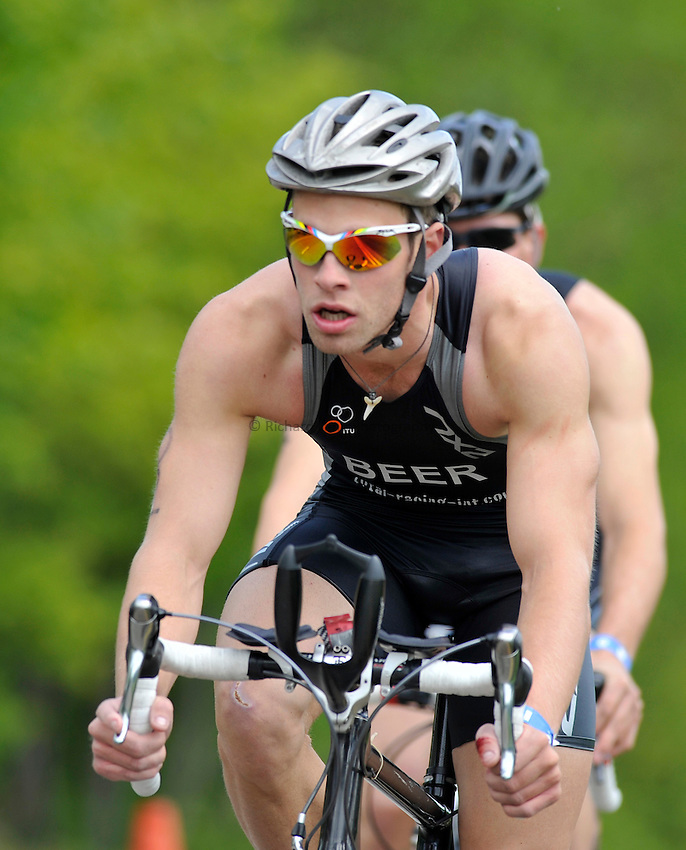 Photo: Paul Greenwood/Richard Lane Photography. Strathclyde Park Elite Triathlon. 17/05/2009. .England's Nick Beer