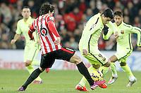 Atletic de Bilbao's Xabier Etxeita (l) and FC Barcelona's Luis Suarez during La Liga match.February 8,2015. (ALTERPHOTOS/Acero) /NORTEphoto.com