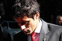 SÃO PAULO, 29.07.2013SP_ Fabricio do São Paulo é visto embarcando no CT da Barra Funda nesta segunda-feira,, 29 no onibus que levará o elenco para o Aeroporto de Cumbica, onde a equipe participará de torneios amistosos em Portugal, Alemanha e Japão (Foto: Adriano Lima / Brazil Photo Press).