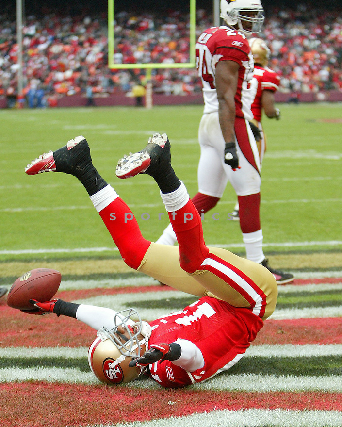 TED GINN, of the San Francisco 49ers in action durIng the 49ers game against the Arizona Cardinals at Candlestick Park on January 2, 2011 in San Francisco, California.. .49ers beat the Cardinals 38-7