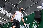 Mark Uth (1. FC Koeln) geht zum Aufwaermen auf den Platz.<br /><br />Sport: Fussball: 1. Bundesliga:: nphgm001:  Saison 19/20: 34. Spieltag: SV Werder Bremen - 1. FC Koeln, 27.06.2020<br /><br />Foto: Marvin Ibo GŸngšr/GES/Pool/via gumzmedia/nordphoto
