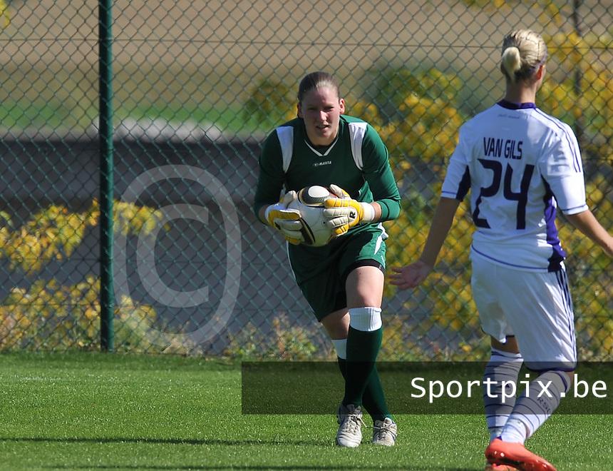 RSC Anderlecht Dames - Beerschot AC : Sofie Van Houtven.foto DAVID CATRY /  Vrouwenteam.be.