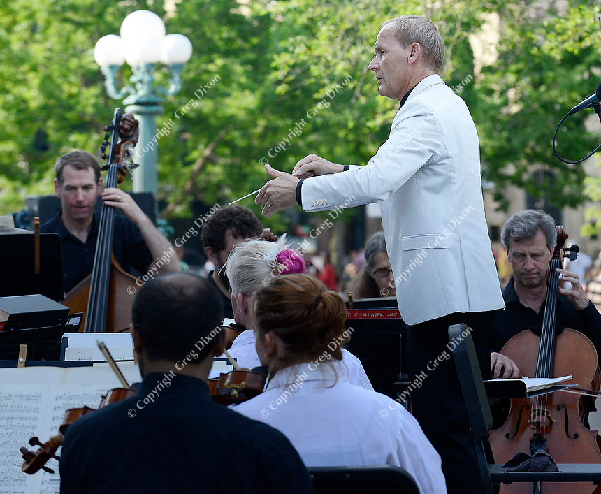 Andrew Sewell conducts the Wisconsin Chamber Orchestra during Concerts on the Square on Wednesday, 6/27/18, in Madison
