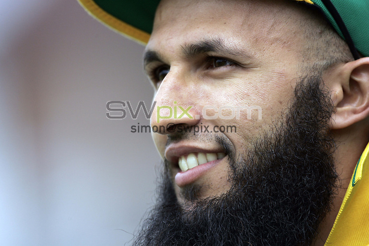 PICTURE BY SIMON WILKINSON/SWPIX.COM - Cricket - Natwest Series 1st ODI - England v South Africa - Headingley, Leeds, England - 22/08/08...Copyright - Simon Wilkinson - 07811267706...South Africa's Hashim Amla.