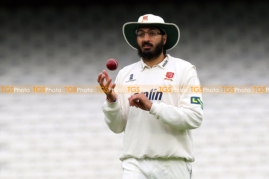 Monty Panesar of Essex - Surrey CCC vs Essex CCC - LV County Championship Division Two Cricket at the Kia Oval, Kennington, London - 26/04/15 - MANDATORY CREDIT: Gavin Ellis/TGSPHOTO - Self billing applies where appropriate - contact@tgsphoto.co.uk - NO UNPAID USE