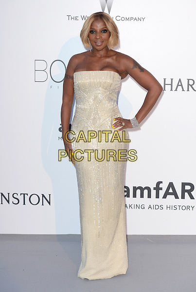 Mary J Blige - arrivals at amfAR&rsquo;s Cinema Agains Aids Gala at Hotel du Cap, Antibes during the Cannes Film Festival on May 21, 2015 in Cap d'Antibes, France.<br /> CAP/CAS<br /> &copy;Bob Cass/Capital Pictures