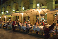 Restaurant an der Placa Reial, Barcelona, Spanien