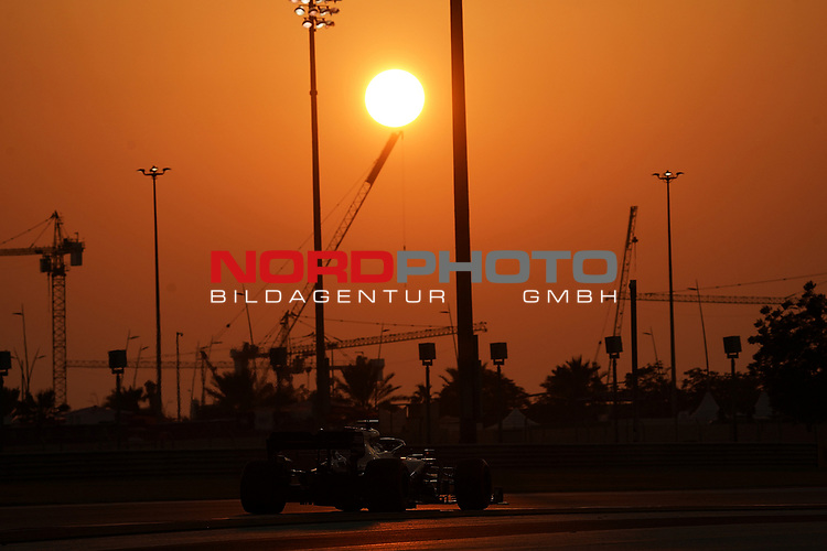 30.11.2019, Yas Marina Circuit, Abu Dhabi, FORMULA 1 ETIHAD AIRWAYS ABU DHABI GRAND PRIX 2019<br />, im Bild<br />Lewis Hamilton (GB#44), Mercedes-AMG Petronas Motorsport<br /> <br /> Foto © nordphoto / Bratic