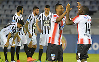 BARRANQUILLA - COLOMBIA - 28-09-2016: Los Jugadores de Atletico Junior de Colombia celebran la victoria sobre Montevideo Wanderers Fútbol Club de Uruguay, durante partido de vuelta entre Atletico Junior de Colombia y Montevideo Wanderers Fútbol Club de Uruguay, por los octavos de final llave F de la Copa Suramericana en el estadio Metropolitano Roberto Melendez de la ciudad de Baranquilla.  / The players of Atletico Junior of Colombia celebrate the victory against Montevideo Wanderers Futbol Club of Uruguay, during a match between Atletico Junior of Colombia and Montevideo Wanderers Futbol Club of Uruguay,  for the second leg of the knockout key F of the South American Cup at the Metropolitano Roberto Melendez stadium in the city of Barranquilla. Photo: VizzorImage / Alfonso Cervantes / Cont.