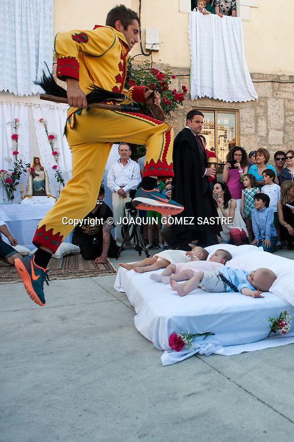 The colacho jumping babies born during the year is the highlight of the festival since it represents fleeing defeated and the babies are saved from their evil influence