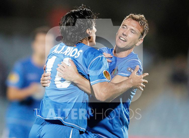 Getafe's Pedro Rios celebrates with Mane during Europa League match. September 16, 2010. (ALTERPHOTOS/Alvaro Hernandez)