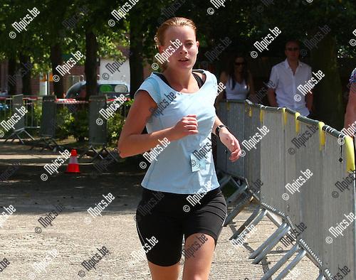 2010-06-05 / jogging / 12 de kermisjogging Geel Punt / 5 km / 2de plaats dames voor Bieke Van Ende uit Geel