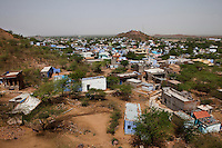 An overview of Purani Tonk slum area in Tonk, Rajasthan, India, on 20th June 2012.  Purani Tonk slum has a mix of Hindus and Muslims. Photo by Suzanne Lee for Save The Children UK