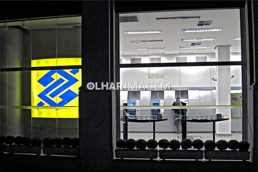 Caixa eletrônico de banco. Banco do Brasil. São Paulo. 2009. Foto de Juca Martins.