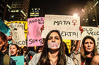 SÃO PAULO,SP, 08.06.2016 - PROTESTO-SP - Feministas caminham pela Avenida Paulista durante mais um ato contra a cultura do estupro, em São Paulo, nesta quarta-feira. Durante a concentração do protesto, as manifestantes promoveram um abaixo-assinado da plataforma Change.org para que o Twitter libere os nomes de usuários que compartilharam vídeo de estupro. (Foto: Amauri Nehn/Brazil Photo Press)