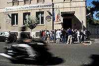 La stampa assiepata davanti all'entrata della CISL<br /> Roma 29-09-2014 Sede della CISL. Incontro tra i sindacati sulla riforma del Lavoro<br /> Photo Samantha Zucchi Insidefoto