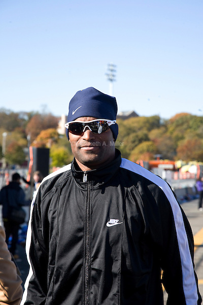 Former New York Giants wide receiver Amani Toomer at the start of the ING New York City Marathon on Staten Island on 07 November 2010.