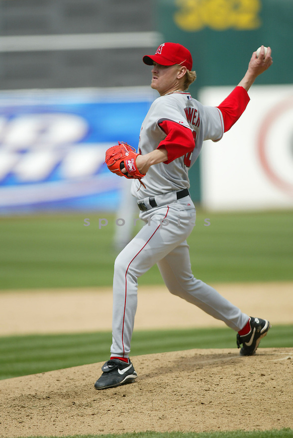 Jeff Weaver, of the Los Angeles Angels, in action against the Oakland A's during their game on April 22, 2006...Angels win 5-4..Rob Holt / SportPics