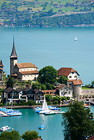 CHE, Schweiz, Kanton Bern, Berner Oberland, Spiez: Schlosskirche am Thunersee | CHE, Switzerland, Bern Canton, Bernese Oberland, Spiez: castle church at Lake Thun