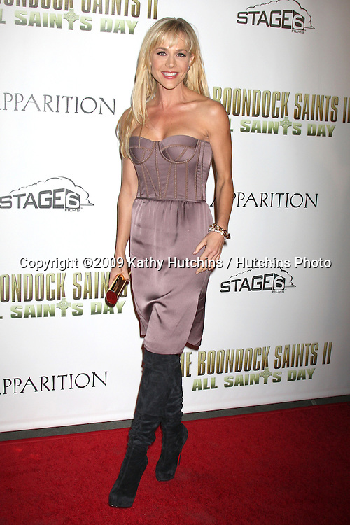 """Julie Benz.arriving at """"The Boondock Saints II:  All Saint's Day"""" LA Premiere.ArcLight Theaters, Hollywood.Los Angeles,   CA.October 28, 2009.©2009 Kathy Hutchins / Hutchins Photo."""