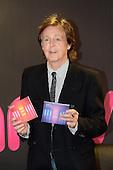 Oct 18, 2013: SIR PAUL MCCARTNEY - Photocall at HMV Oxford Street London