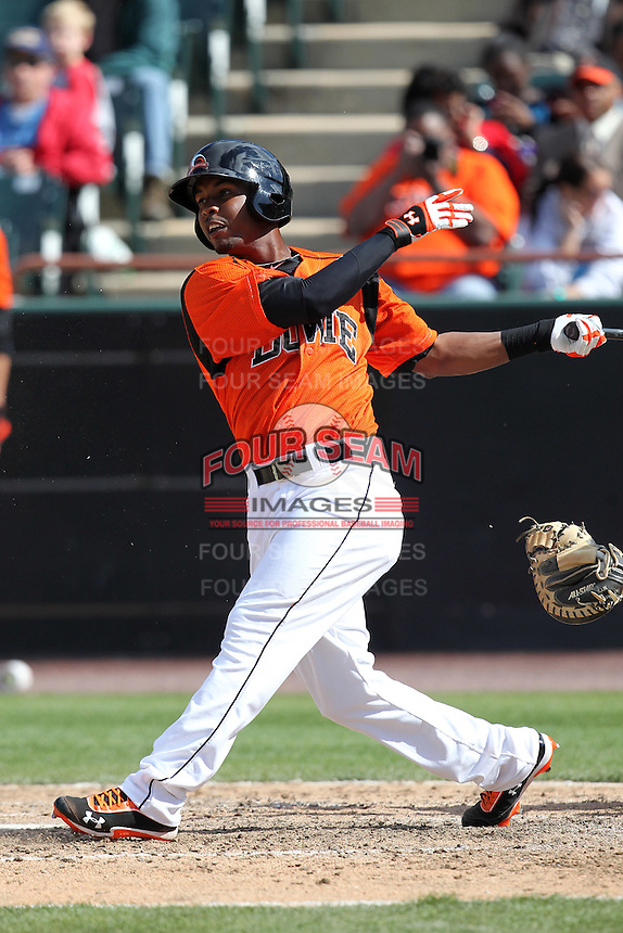 Bowie BaySox outfielder L.J. Hoes #28 during a game against the Harrisburg Senators at Prince George's Stadium on April 8, 2012 in Bowie, Maryland.  Harrisburg defeated Bowie 5-2.  (Mike Janes/Four Seam Images)