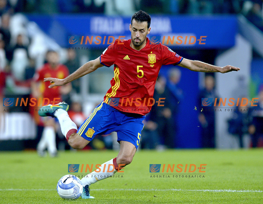 Sergio Busquets Spain,<br /> Torino 06-10-2016 Juventus Stadium <br /> World Cup Qualifiers Italy - Spain / Italia - Spagna. Foto Filippo Alfero / Insidefoto