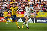 17.07.2017, Rat Verlegh Stadion, Breda, NLD, Breda, UEFA Women's Euro 2017 , <br /> <br /> im Bild | picture shows<br /> Linda Sembrant (Schweden #3) mit Carolin Simon (Deutschland #7), <br /> <br /> Foto &copy; nordphoto / Rauch