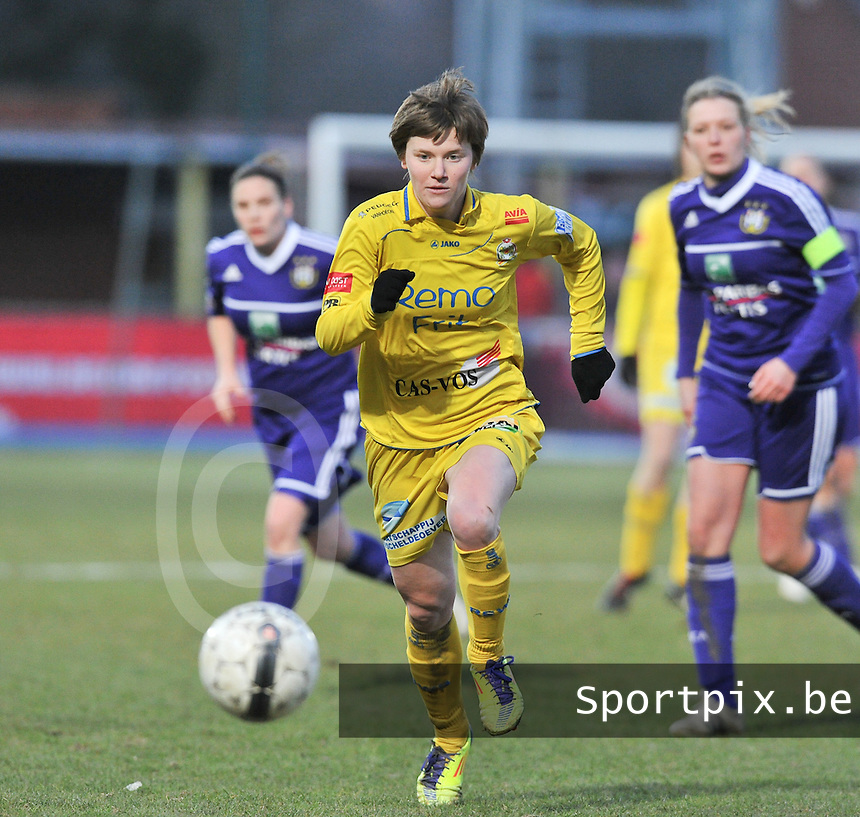 Waasland Beveren Sinaai Girls - RSC Anderlecht : Tina Van Der Auwera.foto DAVID CATRY / Nikonpro.be
