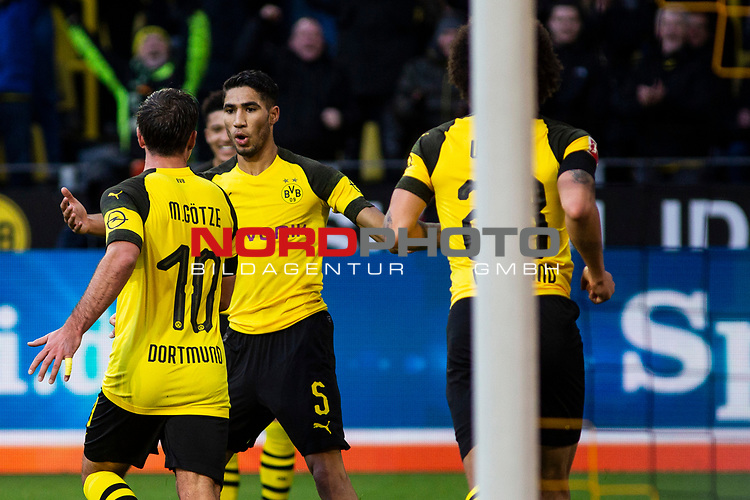 09.02.2019, Signal Iduna Park, Dortmund, GER, 1.FBL, Borussia Dortmund vs TSG 1899 Hoffenheim, DFL REGULATIONS PROHIBIT ANY USE OF PHOTOGRAPHS AS IMAGE SEQUENCES AND/OR QUASI-VIDEO<br /> <br /> im Bild | picture shows:<br /> Achraf Hakimi (Borussia Dortmund #5) jubelt mit Mario Goetze (Borussia Dortmund #10) &uuml;ber dessen Tor zum 2:0,  <br /> <br /> Foto &copy; nordphoto / Rauch
