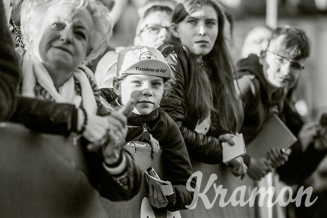 young fan waiting for an autograph<br /> <br /> 101th Ronde Van Vlaanderen 2017 (1.UWT)<br /> 1day race: Antwerp &rsaquo; Oudenaarde - BEL (260km)