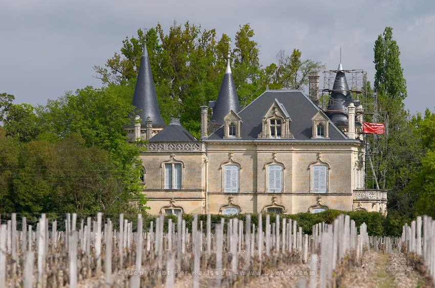 chateau on the chemin de hironde neighbouring latour martillac pessac leognan graves bordeaux france