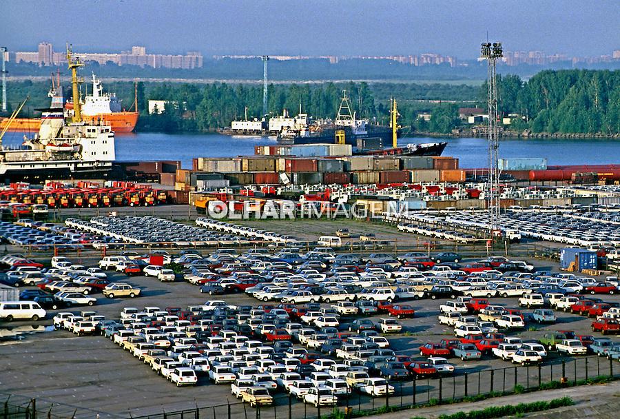 Porto de São Petersburgo. Rússia. 2000. Foto de Nair Benedicto.