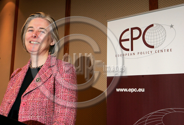 BRUSSELS - BELGIUM - 27 FEBRUARY 2006 -- Catherine DAY, Secretary-General of the European Commission during here speech at the discussion round, organized by EPC (European Policy Centre). -- PHOTO: JUHA ROININEN / EUP-IMAGES