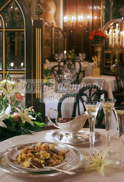 """Europe/Autriche/Vienne:L'Omelette de  l'Empereur ,en mémoire de l'empereur Franz Joseph, aussi appelée """"Kaiserschmarrn sorte de crépe brisée, au restaurant """"Le Korso"""" de l'Hotel Bristol"""