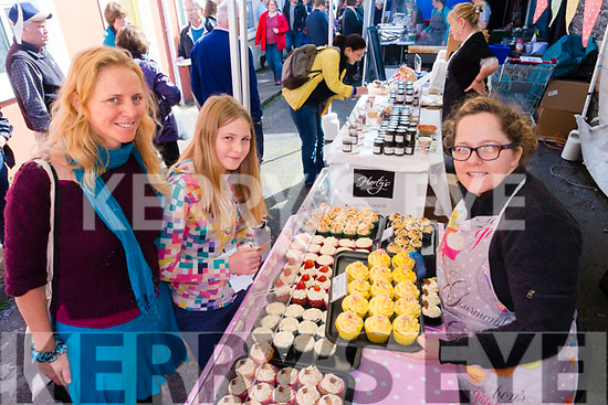 Mel and Síog White, pictured with Deirdre Power (Cupcakes by Dee) at the Dingle Food Festival on Saturday afternoon last.
