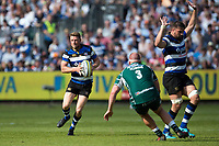 Rhys Priestland of Bath Rugby in possession. Aviva Premiership match, between Bath Rugby and London Irish on May 5, 2018 at the Recreation Ground in Bath, England. Photo by: Patrick Khachfe / Onside Images