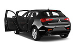 Car images close up view of 2015 Alfa Romeo Giulietta Distictive 5 Door SUV doors