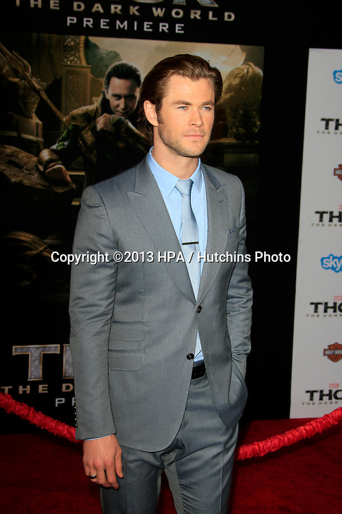 LOS ANGELES - NOV 4:  Chris Hemsworth at the Thor: The Dark World' Premiere at El Capitan Theater on November 4, 2013 in Los Angeles, CA