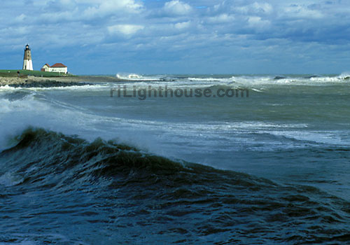 Waves generated by Hurricane Floyd crash on shore at Point Judith