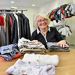 La journée d'Irène, 82 ans, au centre intergénérationnel Croix-Rouge du Bois Bouchaud, à Nantes