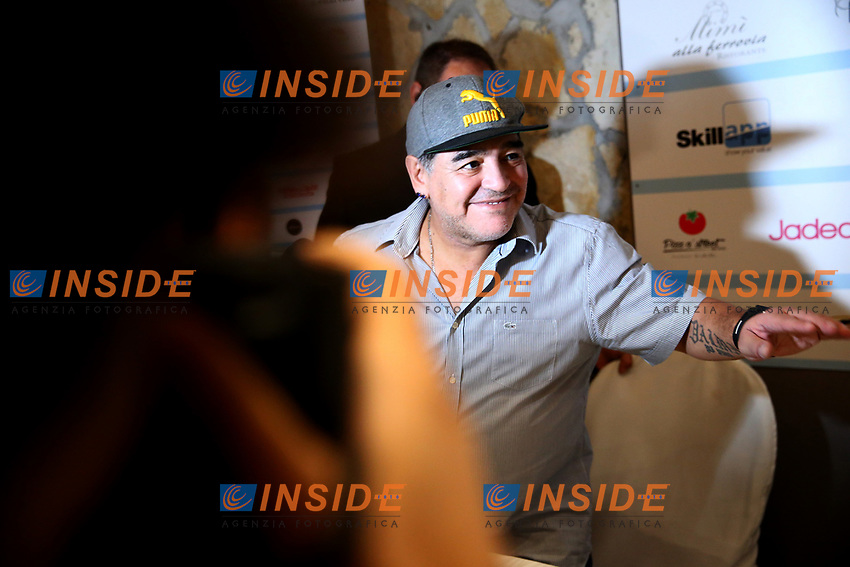 Diego Armando Maradona<br /> Napoli 04-07-2017  Napoli Villa D'Angelo Santa Caterina<br /> conferenza stampa di presentazione dell'evento Effetto Maradona, per il conferimento della cittadinanza onoraria di Napoli <br /> Press conference of the event Maradona Effect, for the conferral of honorary citizenship of Naples to the former player <br /> <br /> Foto Cesare Purini / Insidefoto