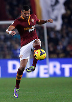 Calcio, Serie A: Roma vs ChievoVerona. Roma, stadio Olimpico, 31 ottobre 2013.<br /> AS Roma defender Leandro Castan, of Brazil, in action during the Italian Serie A football match between AS Roma and ChievoVerona at Rome's Olympic stadium, 31 October 2013.<br /> UPDATE IMAGES PRESS/Isabella Bonotto