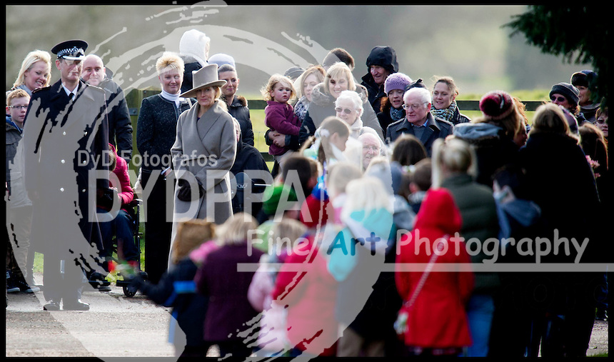 HM The Queen attends church on the Sandringham Estate, Sunday December 30, 2012. Photo: Andrew Parsons / i-Images / DyD Fotografos