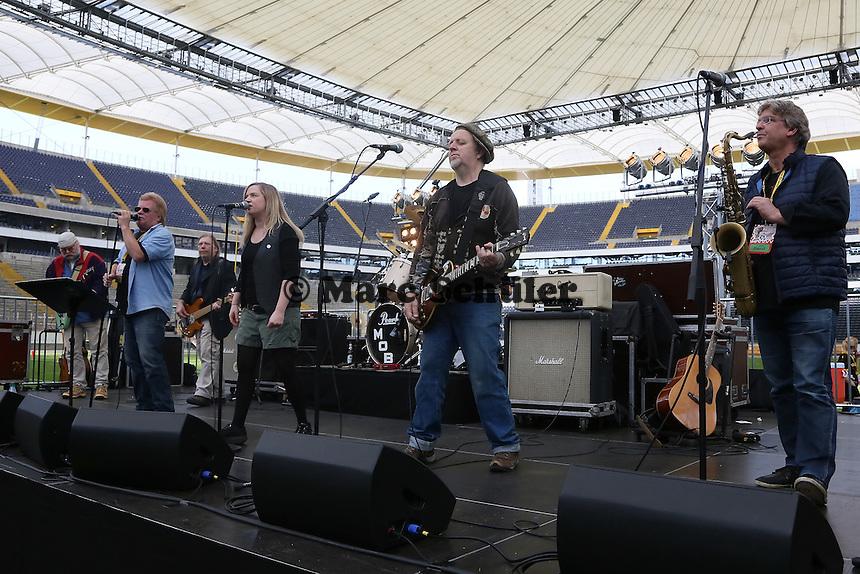 Rodgau Monotones spielen beim Hessen Schoppe - Frankfurt Pirates vs. Darmstadt Diamonds, Hessen Schoppe, Commerzbank Arena