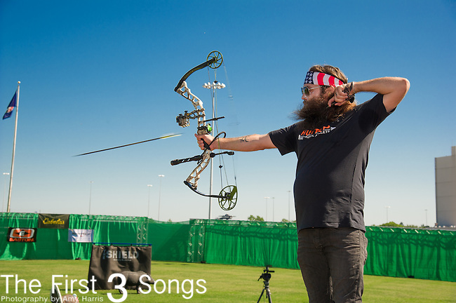Willie Robertson attends the ACM & Cabela's Great Outdoor Archery Event during the 50th Academy Of Country Music Awards at the Texas Rangers Youth Ballpark on April 18, 2015 in Arlington, Texas.