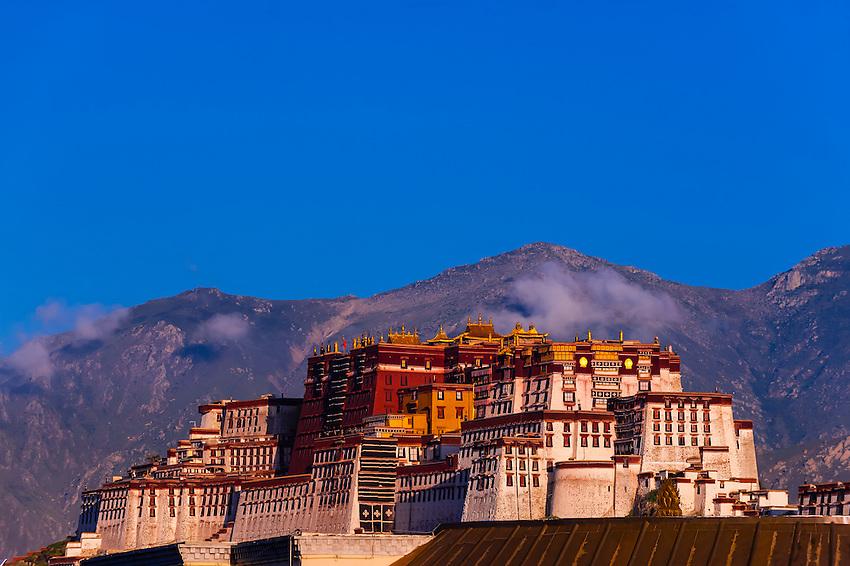 ผลการค้นหารูปภาพสำหรับ dalai lama resident in dharamsala in india