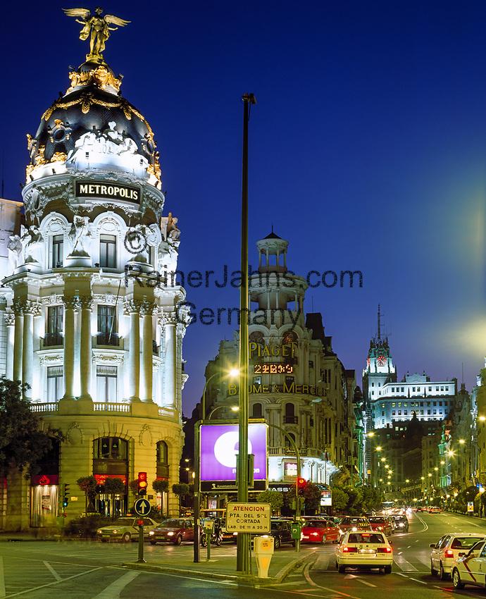 Spanien, Madrid: Das Metropolis-Haus auf der Gran Via, abends | Spain, Madrid: Metropolis-building at Gran Via at night