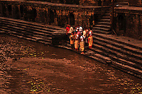 Hindu last rites - immersing the ashes of a loved one - a Hindu ritual. Pashupatinath, Nepal